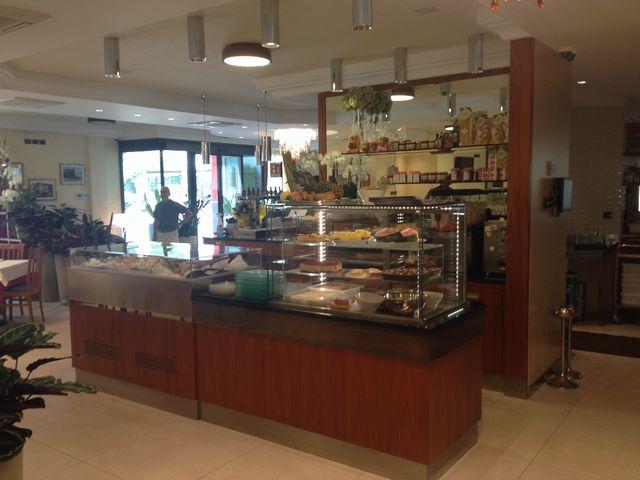 Ristorante pizzeria all 39 angolo m3 arredamenti di morello for M3 arredamenti catalogo